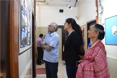 JR students Photo Exhibition